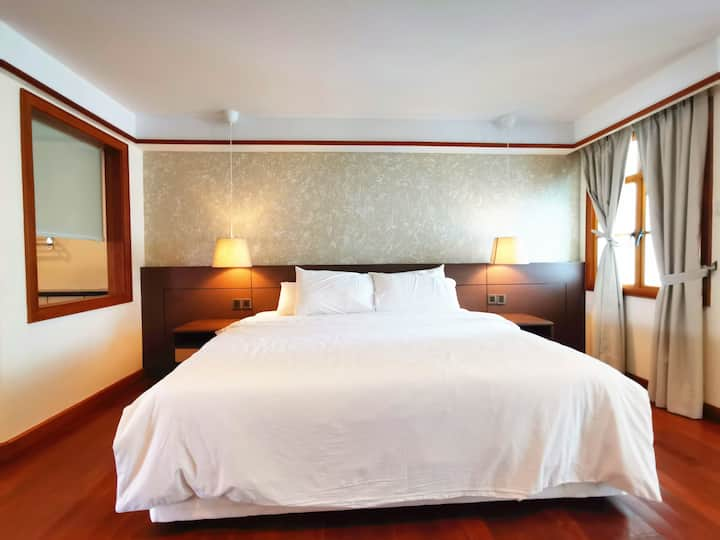 Lexis Port Dickson Airplan Suite 3 - Up to 6 Pax