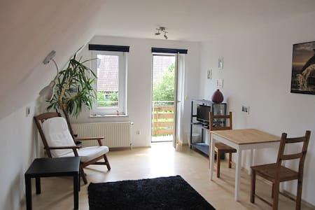 Zimmer mit Balkon in Strandnähe - Hus
