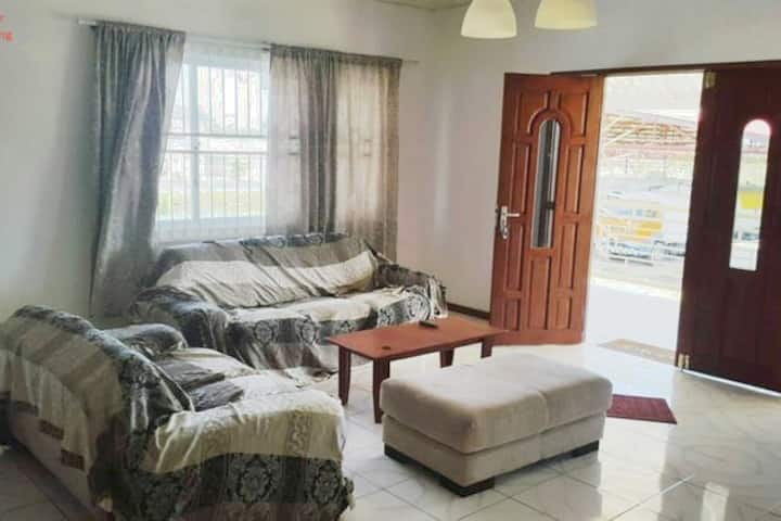 Great Business Home with 5 aircobedrooms for rent