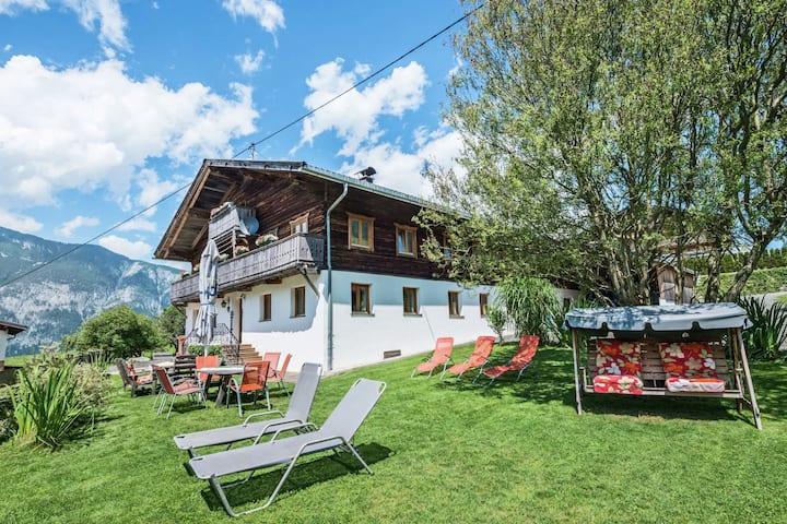 Sfeervol vakantiechalet in Tirol met wellnessgedeelte