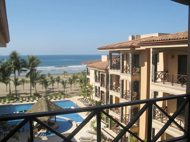 Beach Front Oasis 3 Bedroom Condo - Jaco - Condominium