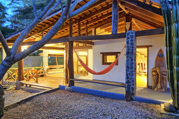 Casa Mambo  - Tamarindo Surf House - ทามารินโด - บ้าน