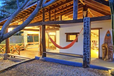 Casa Mambo  - Tamarindo Surf House - Tamarindo - House