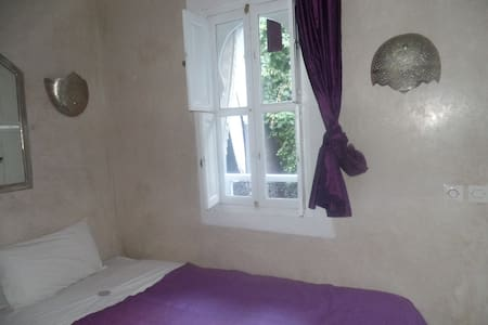 chambre cosy dans Riad bourgeois - Marrakesh - Bed & Breakfast