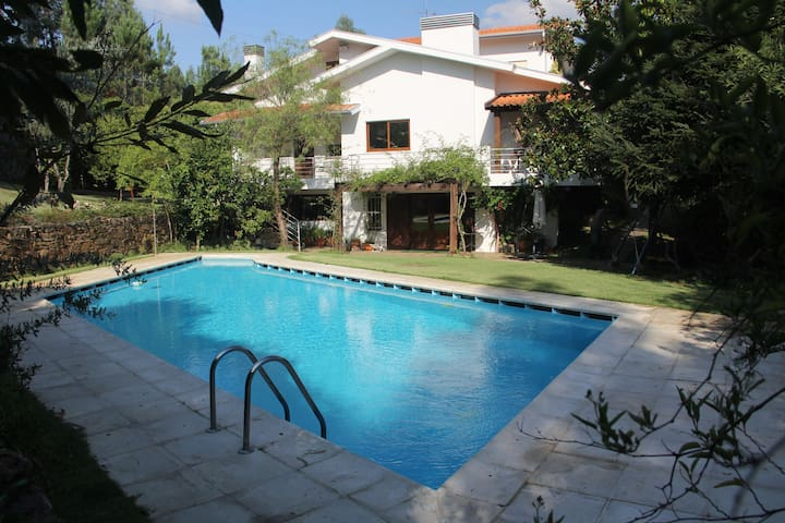 Amazing Villa in Porto w/ Pool  - Covelo - House