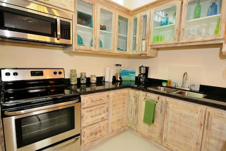 Jaco Beach Condo Close to beach - Jaco - Appartement