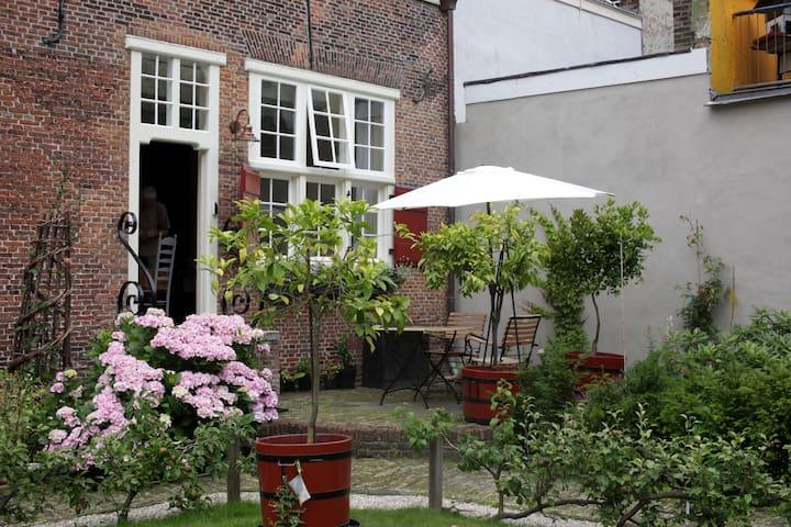 Cornelia's Tuinhuis in hartje Den Haag