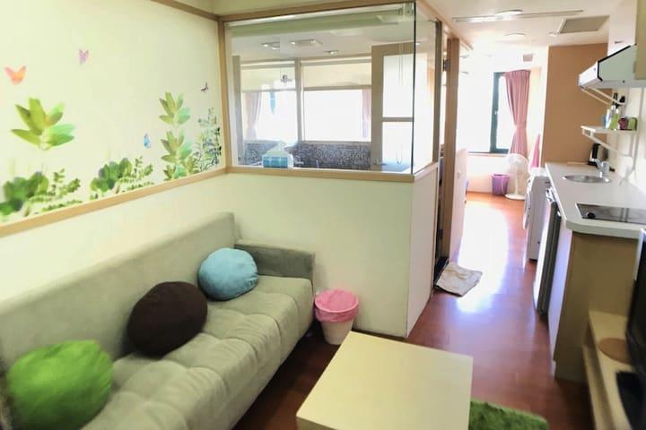 Comfortable sofa~明亮寬敞客廳沙發區