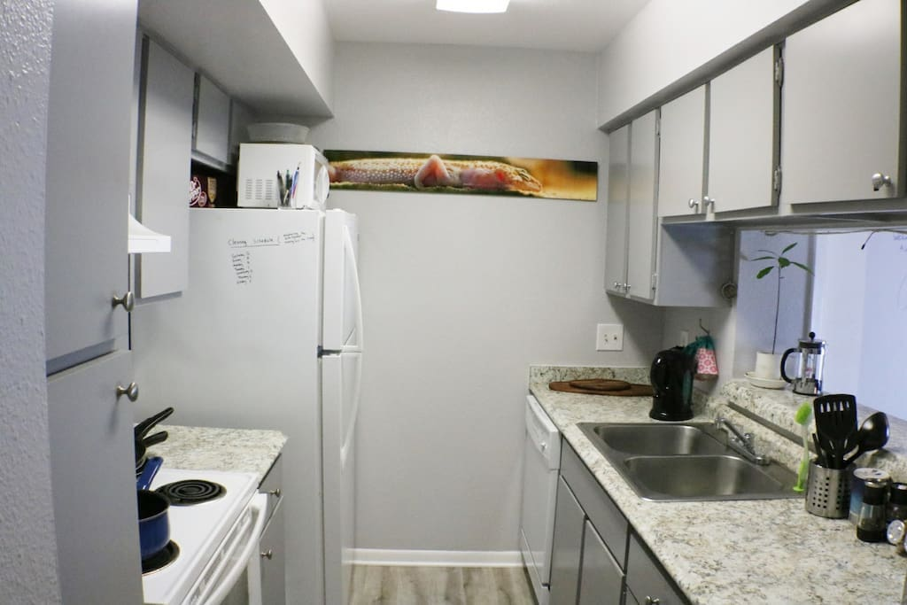 Feel free to take a break from eating out in our fully stocked kitchen. We provide personal storage to store your food