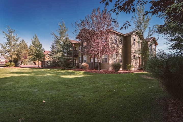 Luxurious Buffalo Junction Condo with Air Conditioning