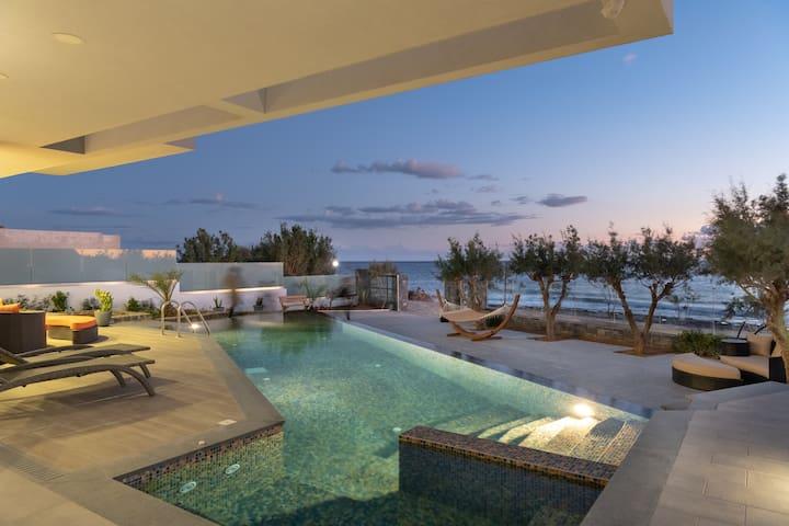 Ganymede - Moonlight Luxury Villas in Crete