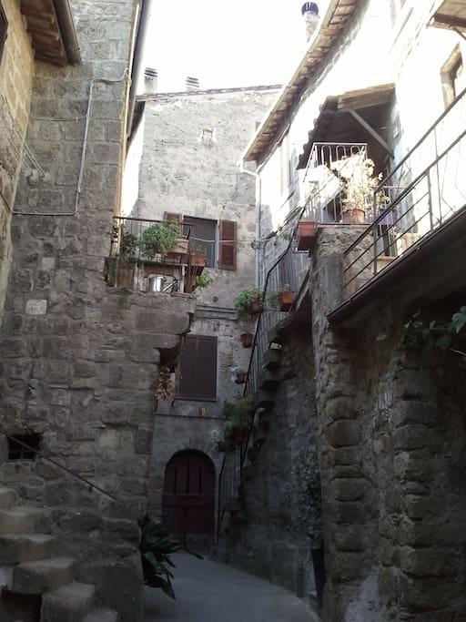 Vicoli e case antiche di Bomarzo