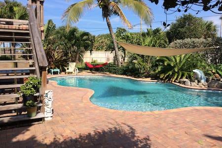 Poolside Retreat - Melbourne Beach