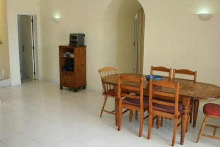 Large (10x5m) clean furnished room - Lipnica Wielka - Hus