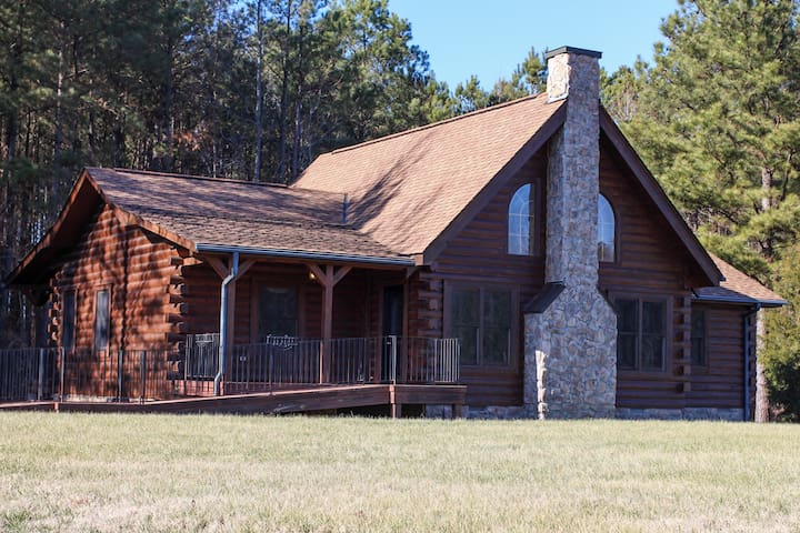 Gorgeous Log Home - Petersburg - House