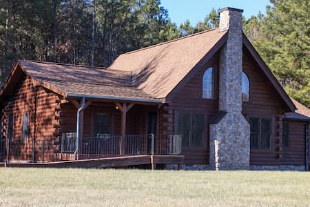 Gorgeous Log Home - Petersburg - Casa