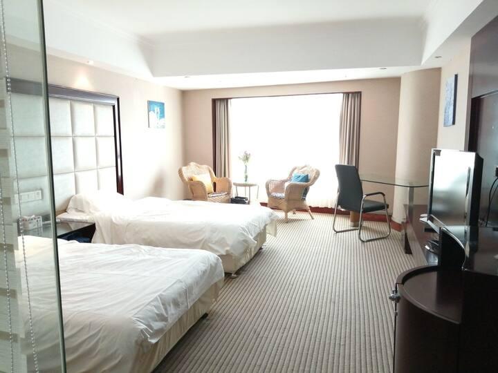 方塔步行街、服装城、虞山尚湖豪华商旅双床房