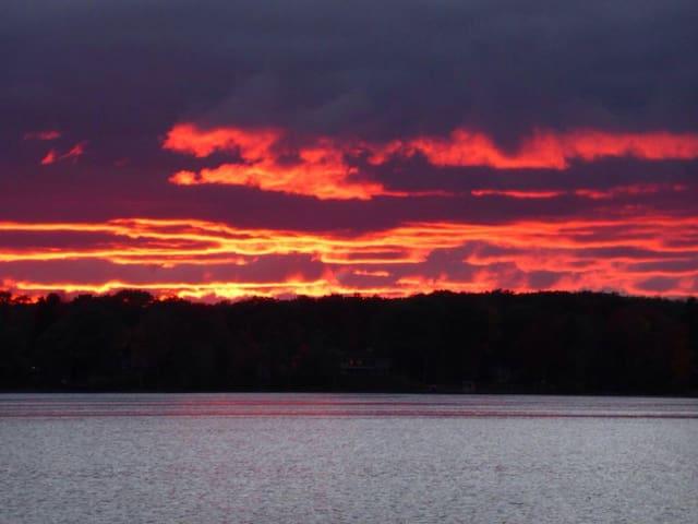 Traverse City Waterfront: Long Lake - Traverse City - Casa
