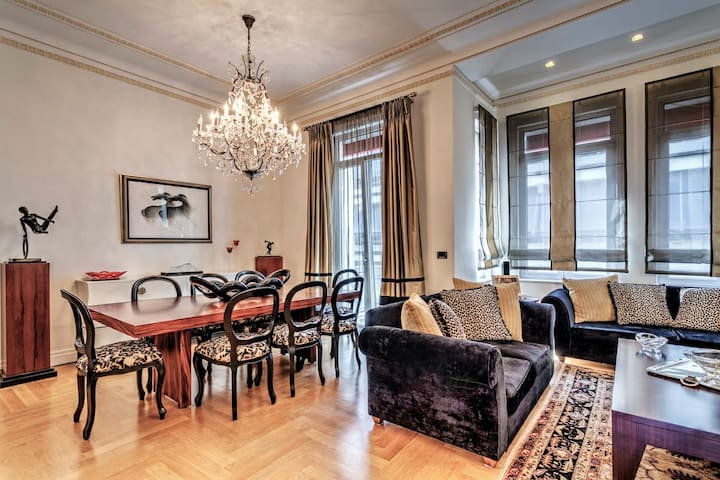 Listed 1930's Luxurious Maisonette  - Pireas - Huis