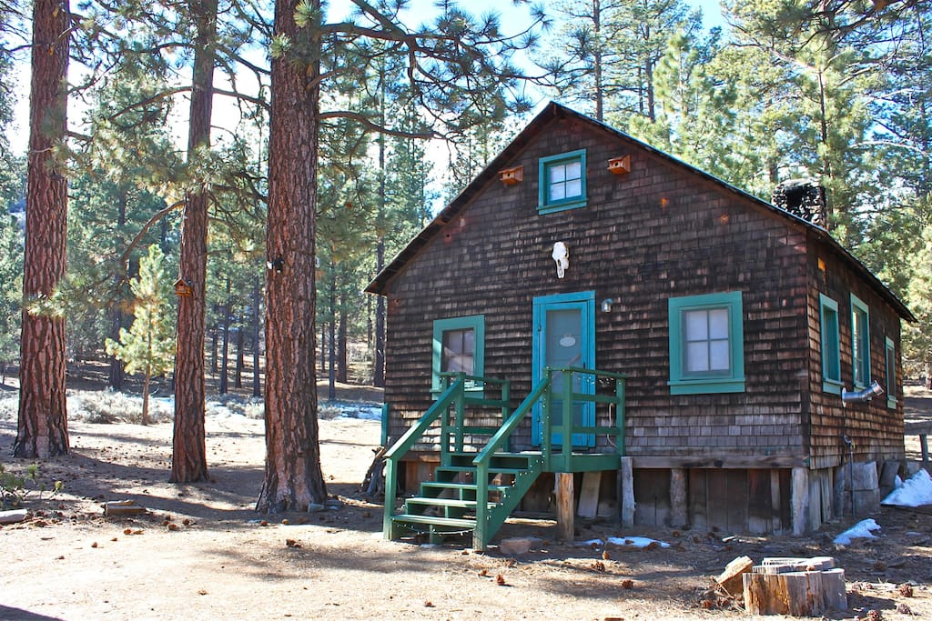 Spirit of 1870s in gold rush cabin cabins for rent in for Big bear cabins california