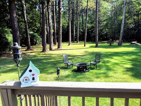 Monthly Rentals! Spacious, pool table, Lake access