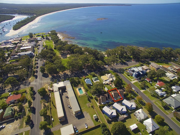 Huskisson Beach Holiday Villa - Jervis Bay