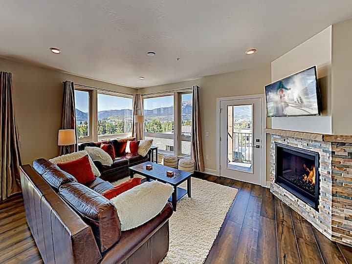 New Listing! Beautiful New Mountain-View Condo