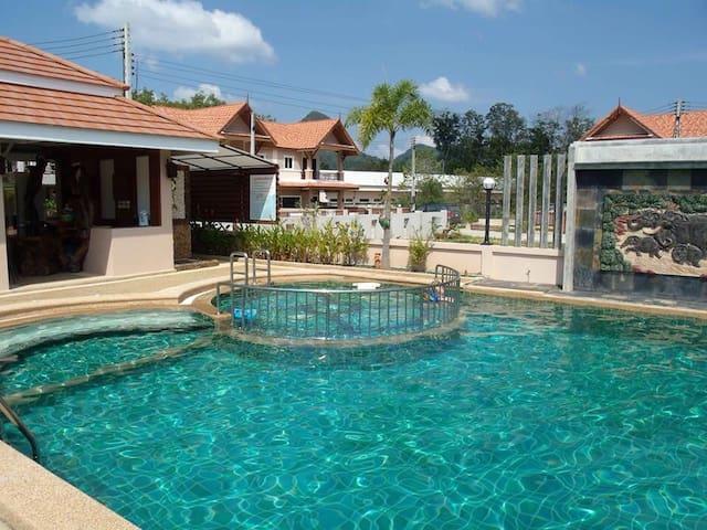 3 bedroom house with common pool - Tambon Ao Nang - Casa