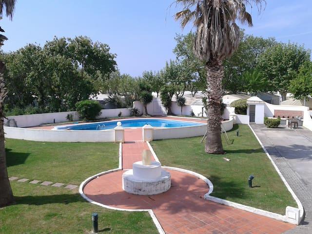 vivenda t3 com piscina - Lourinhã - Ferienunterkunft