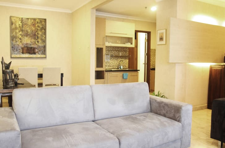 Warm 2BR/2Bath Apt, Great Location - Jakarta-Zuid - Appartement