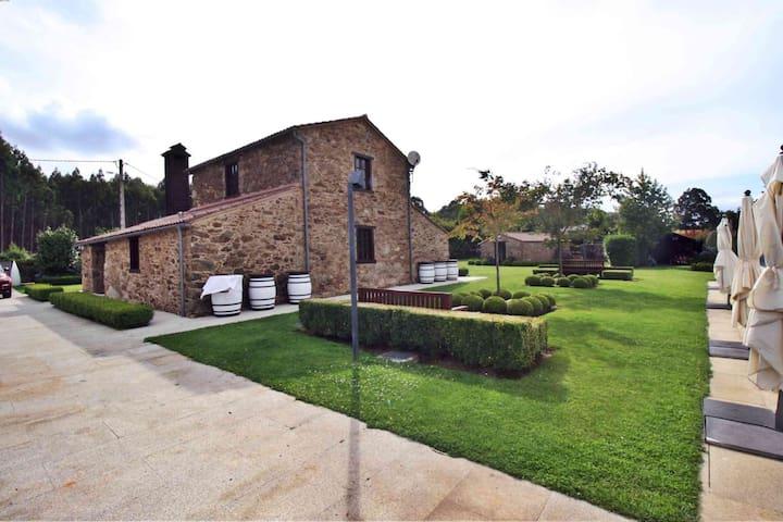 Impresionante casa con piscina climatizada - Boimorto - บ้าน