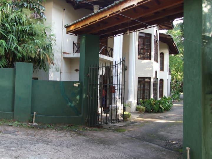 Tree Breeze Inn - Kandy Sri Lanka