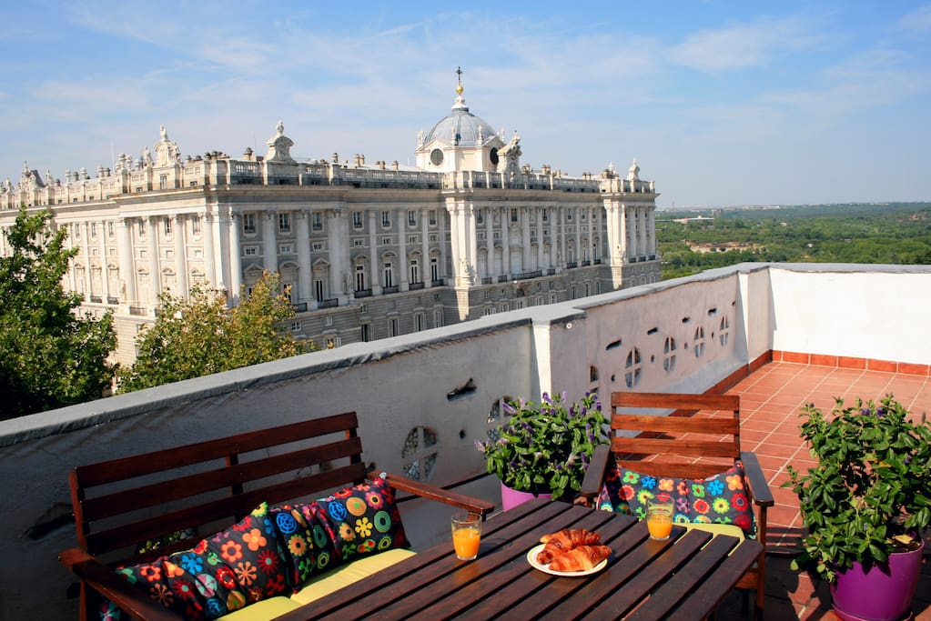 AWESOME ATTIC WITH THE BEST VIEWS IN MADRID - Apartments ...