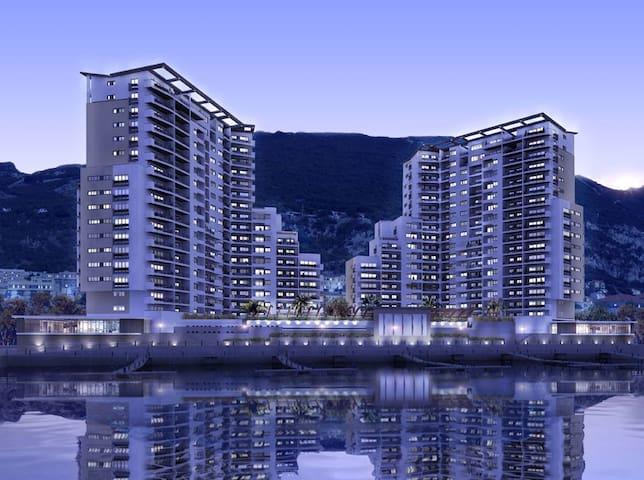 NEW:Luxury JAMES BOND Style Apartment; Sleeps FOUR