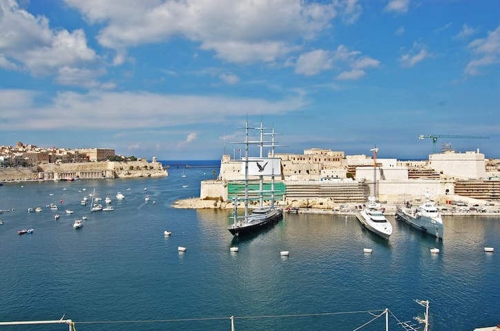 Grand Harbour Terrace  - Senglea  - Bed & Breakfast