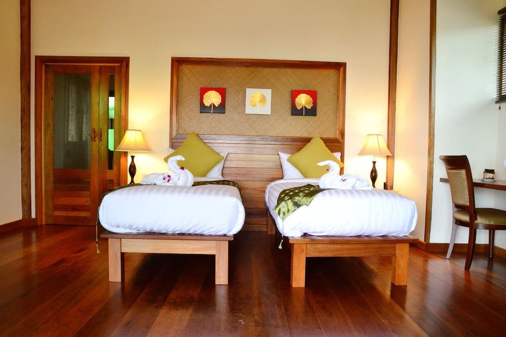 Twin beds-Deluxe Terrace Room