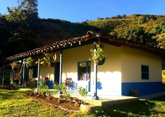Traditional Colombian Country Home - El Carmen de Viboral - Stuga