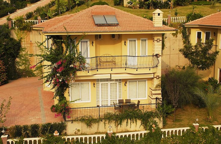 Charming Villa in Goldcity - Alanya - Haus