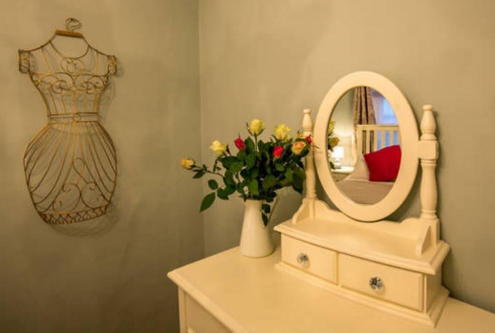 Mint Leaf Cottage - interior