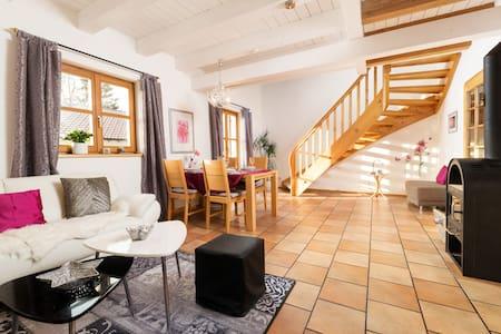 Freundliche, helle FeWo/Apart. 80-130 qm 1-5 Gäste - Passau