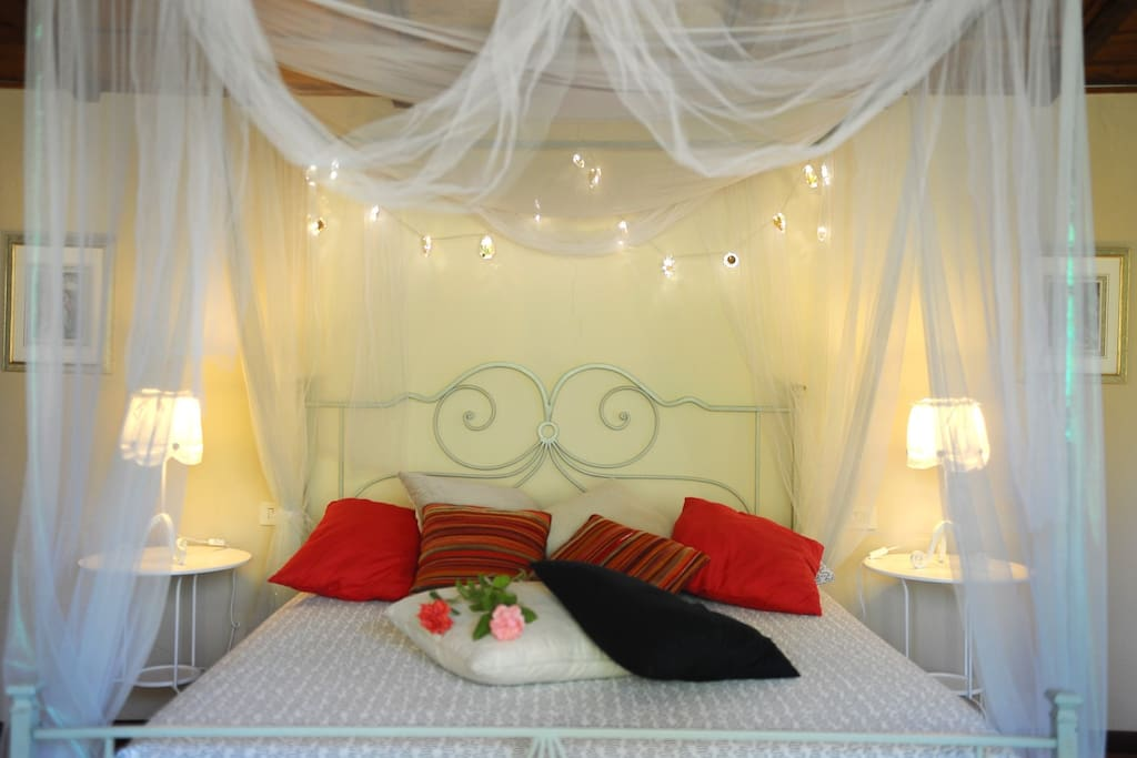 elegante e romantica camera matrimoniale