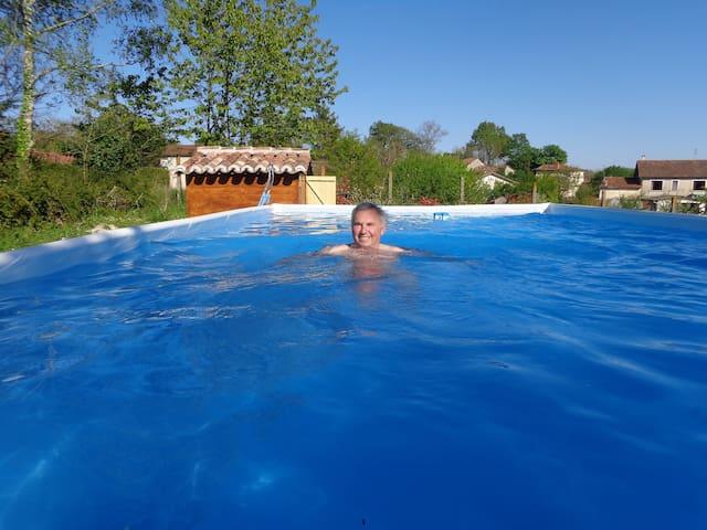 Là piscine 4metres x 8 mètres