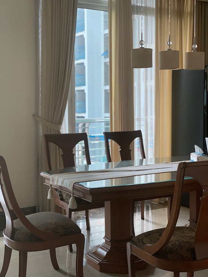 2 BR Luxury apartment in Four seasons LONG term