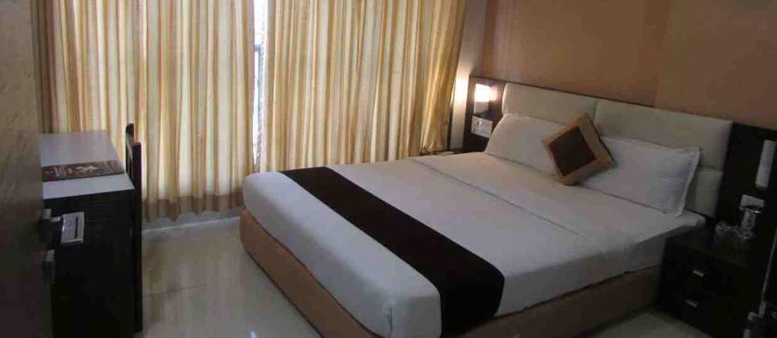 Galaxy Comforts Mumbai, near mumbai airport - Mumbai - Lägenhet