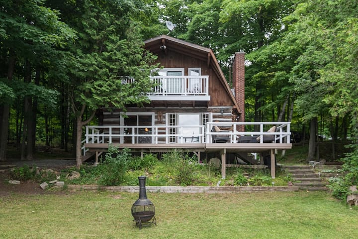 Modern Log Cabin/Cottage on the Water