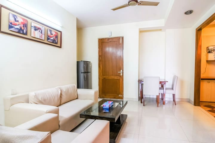 OLIVE Cozy 1 Bedroom Apt @ Defence Colony Market