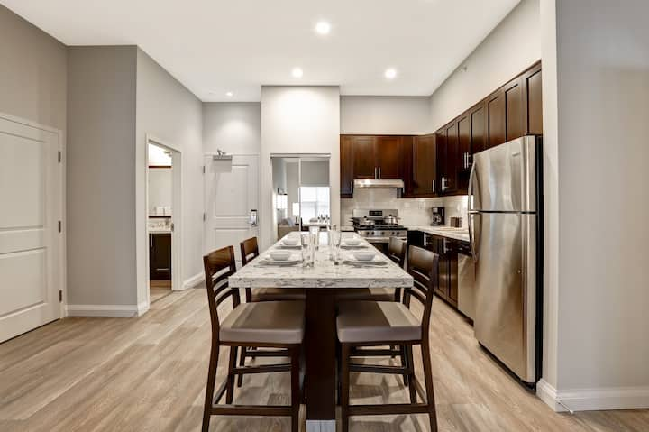 Furnished 2 Bedroom (1 Queen, 2 Twin) Monthly