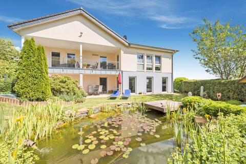 Charming Apartment in Weinsheim with Garden