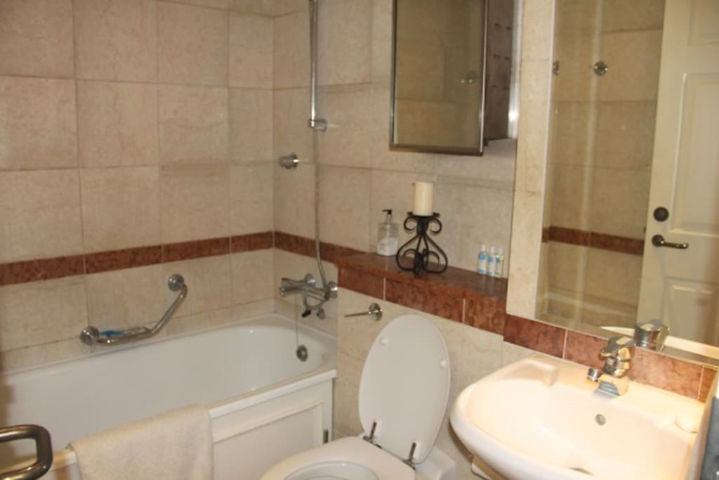 Bathroom (Shared)