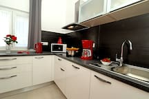 kuhinja sa perilicom suđa